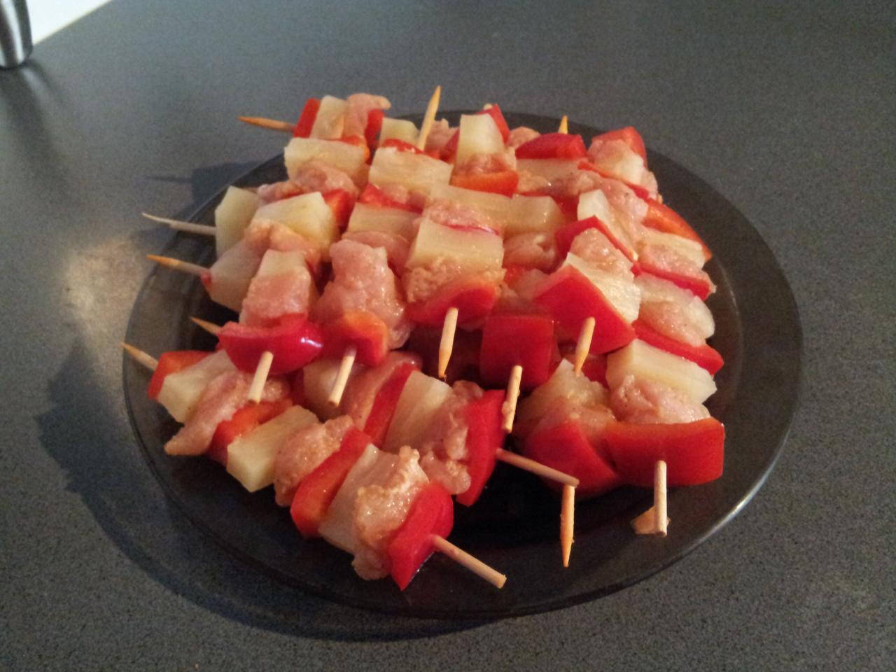 Brochettes dinde ananas poirvons