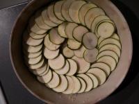 Disposer les rondelles de courgettes sur le riz